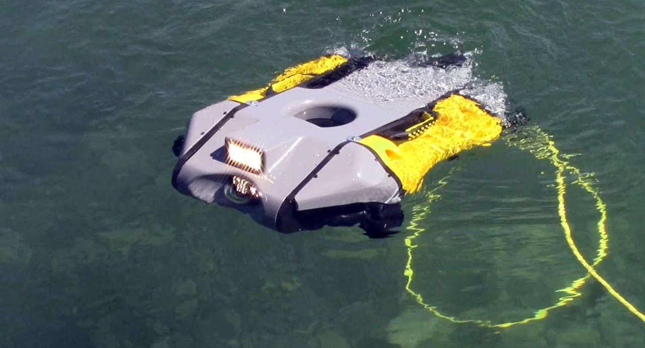 SEPTEMBER 22, 2015 - VideoRay Mission Specialist Series ROV Hits the Water